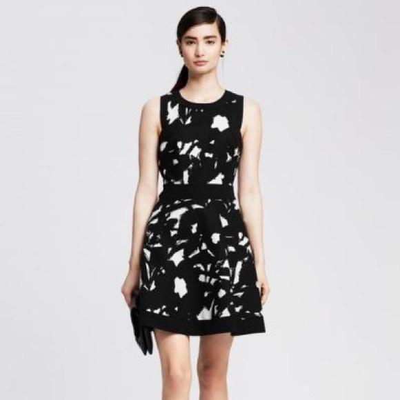 Banana Republic Dresses & Skirts - Banana Republic B&W floral dress